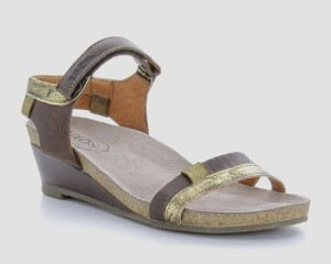 Taos Gala Brown Multi - $159.95